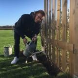 alex klaasen watert zijn 'gelaarsde katjes' bij buitengoed  de gaard