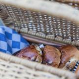 kinderontbijt heerlijke krentebolletjes bij buitengoed de gaard van mélange heythuysen fotografie belinda