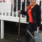 mariska-mammaloe-van kolck plantte hortensia bij de mammaloewagen buitengoed de gaard
