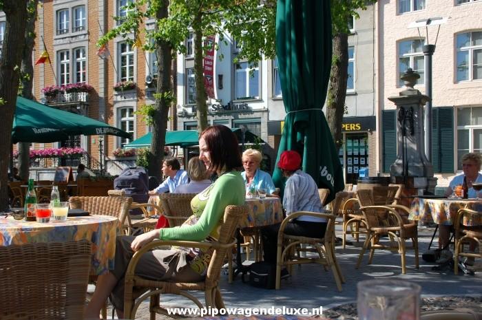 Maaseik bezichtigen tijdens overnachting in pipowagen PipowagenDeluxe ...: www.pipowagendeluxe.nl/heythuysen-leudal/maaseik