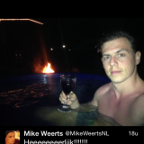 mike weerts geniet in hot-tub bij buitengoed de gaard tweet