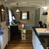 pipowagen deluxe met volwaardige keuken, eettafel, centrale verwarming buitengoed de gaard heythuysen leudal midden-limburg