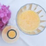 start van de dag met sinaasappelsap en ontbijt van mélange bij verblijf in vakantieverblijf  buitengoed de gaard fotografie belinda keulen