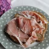 vesre ham voor ontbijt-boterhammen en ander lekkers door mélange voor gasten van buitengoed de gaard