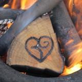 vuur in spiraal houtgestookte hot-tub vakantiehuisje-pipowagen limburg  buitengoed de gaard